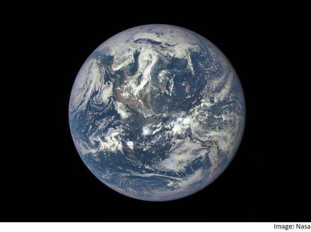 16 लाख किलोमीटर की दूरी से ली गई पृथ्वी की यह